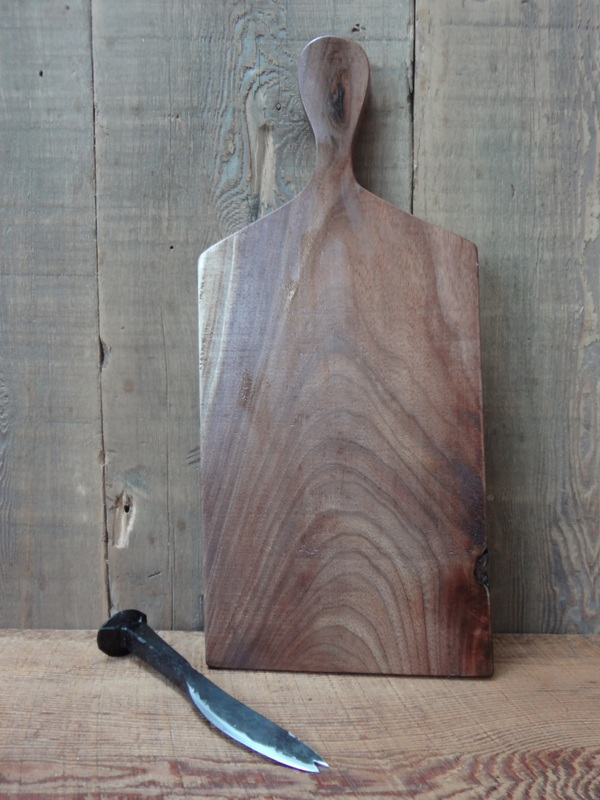 Walnut Cheese Board With Knife